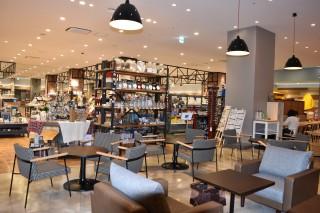 2オリオン書房ではカフェを併設